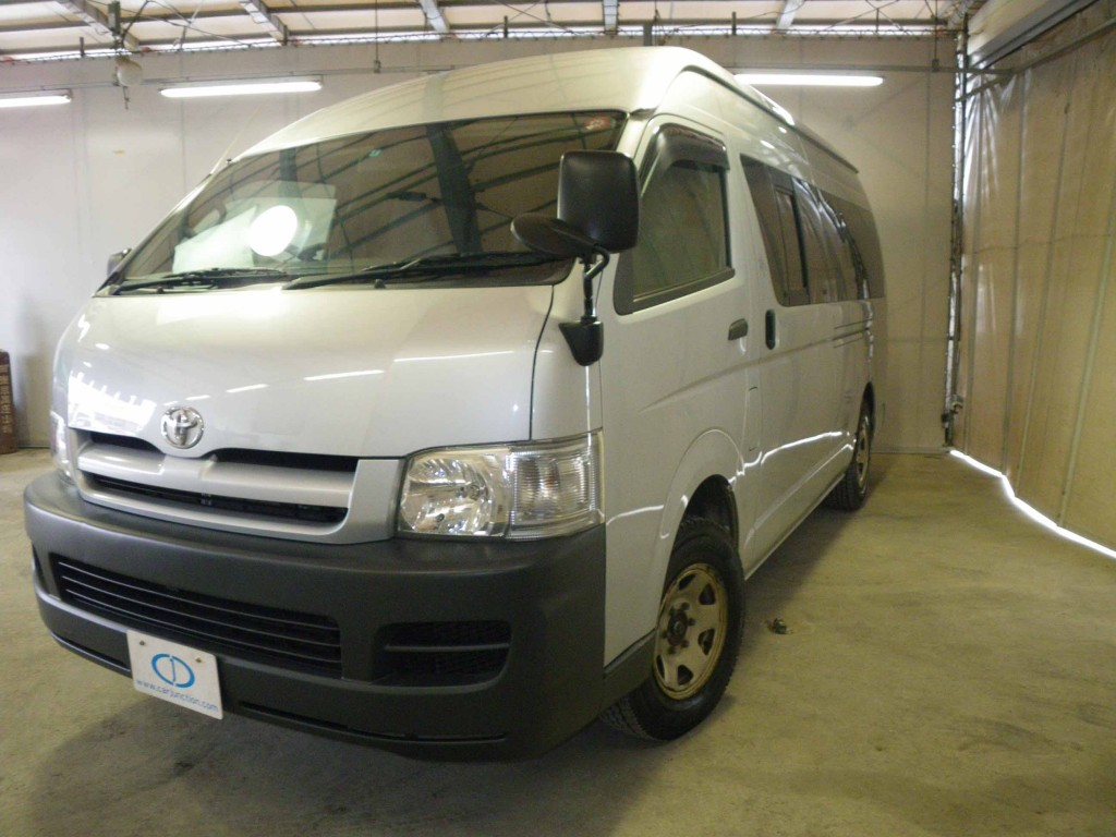 c7c106771a Japanese Used Toyota Hiace Model 2007 for Sale in Karachi